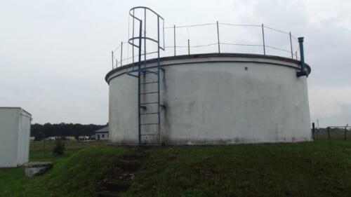 Zdjęcie 5 Naziemny zbiornik wodny o objętości 150 m3 zaizolowany styropianem.